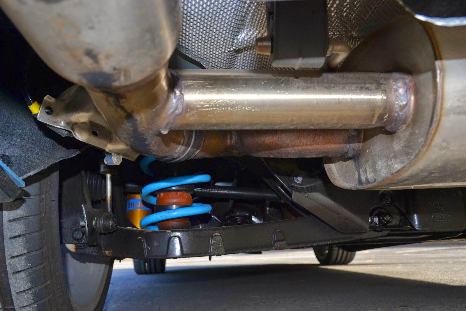 A look at those trick Ohlins adjustable shock absorbers