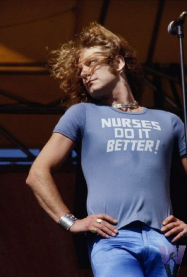 20 Amazing Photographs Of Robert Plant In Flares And Skin
