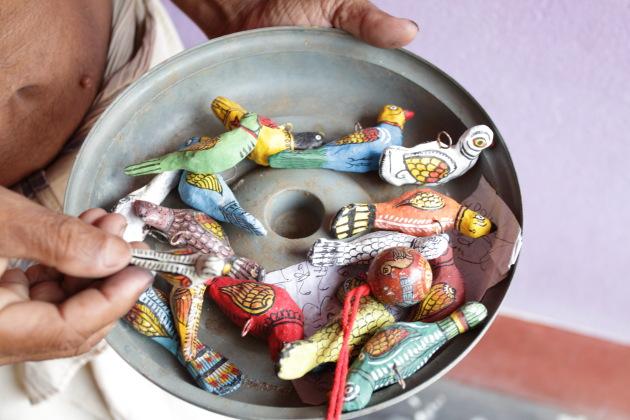 Cow Dung Toys made at Raghurajpur, Odisha