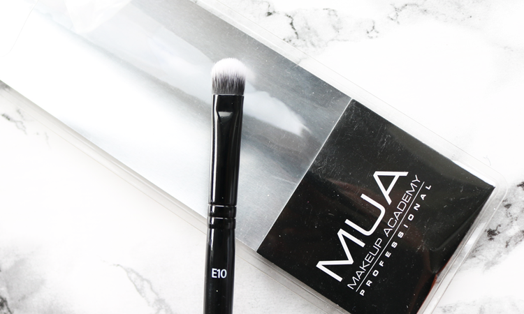MUA E10 Precision Eye Blending Brush review