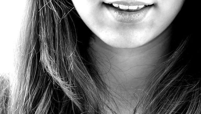 تفسير حلم خروج شي من الفم