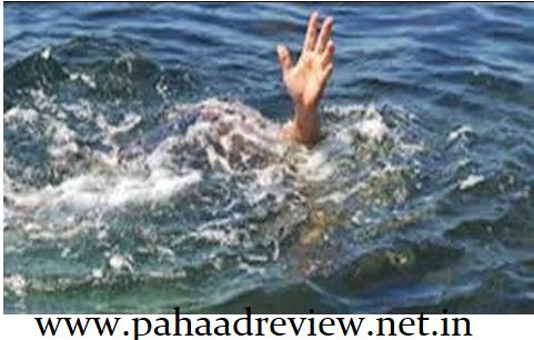 उत्तरकाशी, नदी में बहने से युवक समेत एक बुजुर्ग की मौत ।