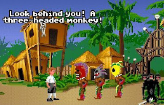 Mira detrás de ti, un mono de tres cabezas