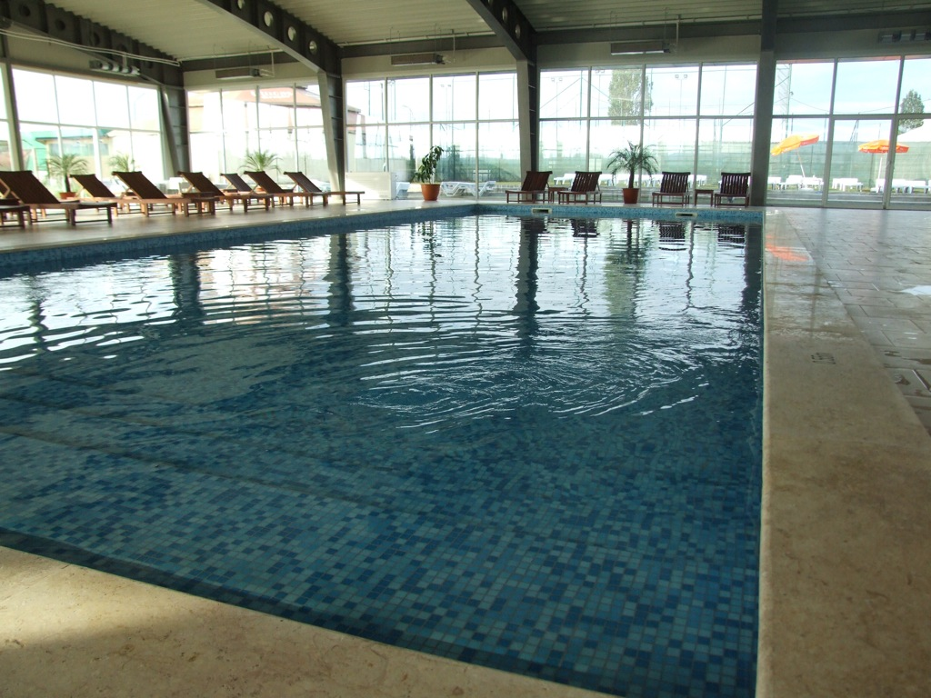 Ceteanul de Prahova Locatii de vara piscine in Ploiesti  locatii si tarife  2012