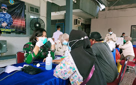 Balai Pengobatan Pangkalan TNI AL Banten Laksanakan Vaksinasi untuk Warga