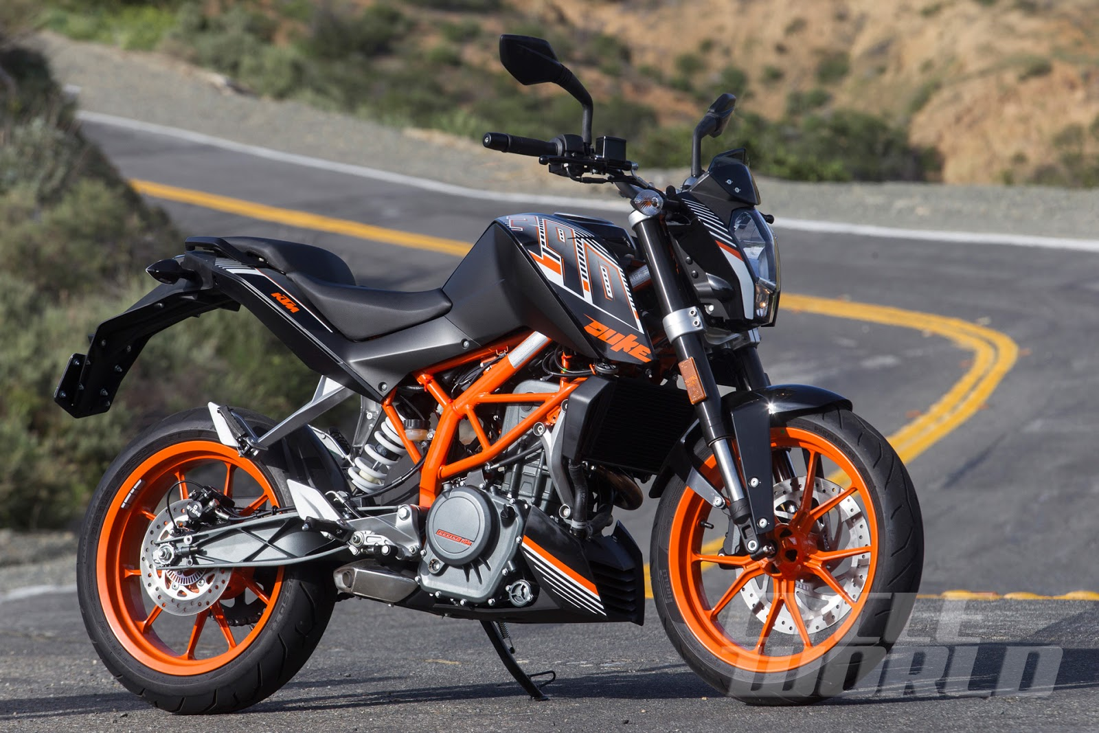 best lightweight streetbike ktm 390 duke throttlequest. Black Bedroom Furniture Sets. Home Design Ideas