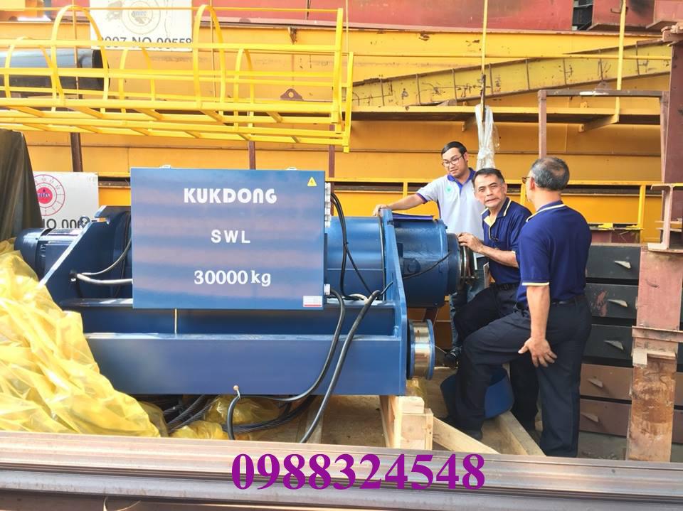 palang điện cáp Kukdong dầm đôi 30 tấn