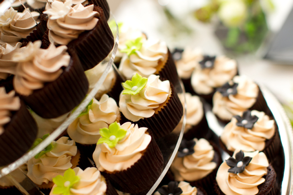 Yesenia John S Wedding Apple Green And Black The Couture Cakery