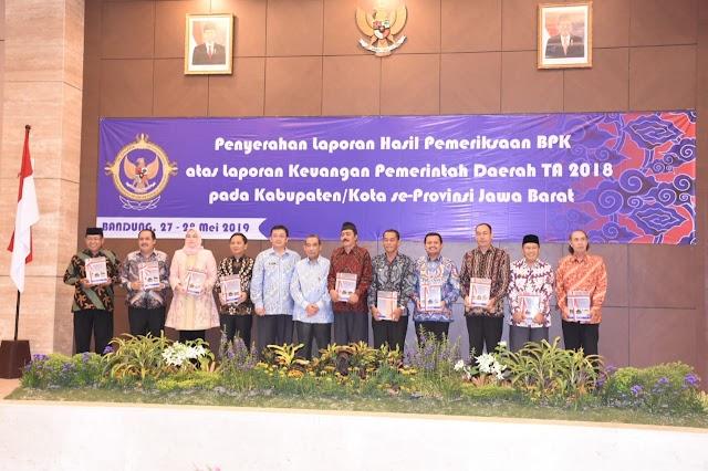 Pemkab Pangandaran Menerima Penghargaan Opini WTP