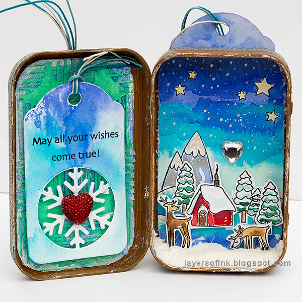 Layers of ink - Dimensional Winter Scene in an Altered Tin Tutorial by Anna-Karin Evaldsson, with Simon Says Stamp Fun and Festive products.