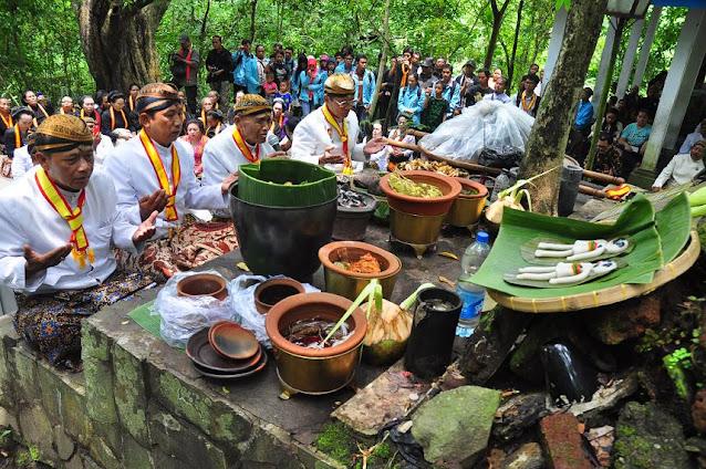 Meredam Amarah Durga Pembawa Bencana dengan Ritual Mahesa Lawung
