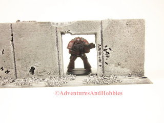 Battle damaged straight concrete wall section T584 with doorway for 25-28mm war games - UniversalTerrain.com