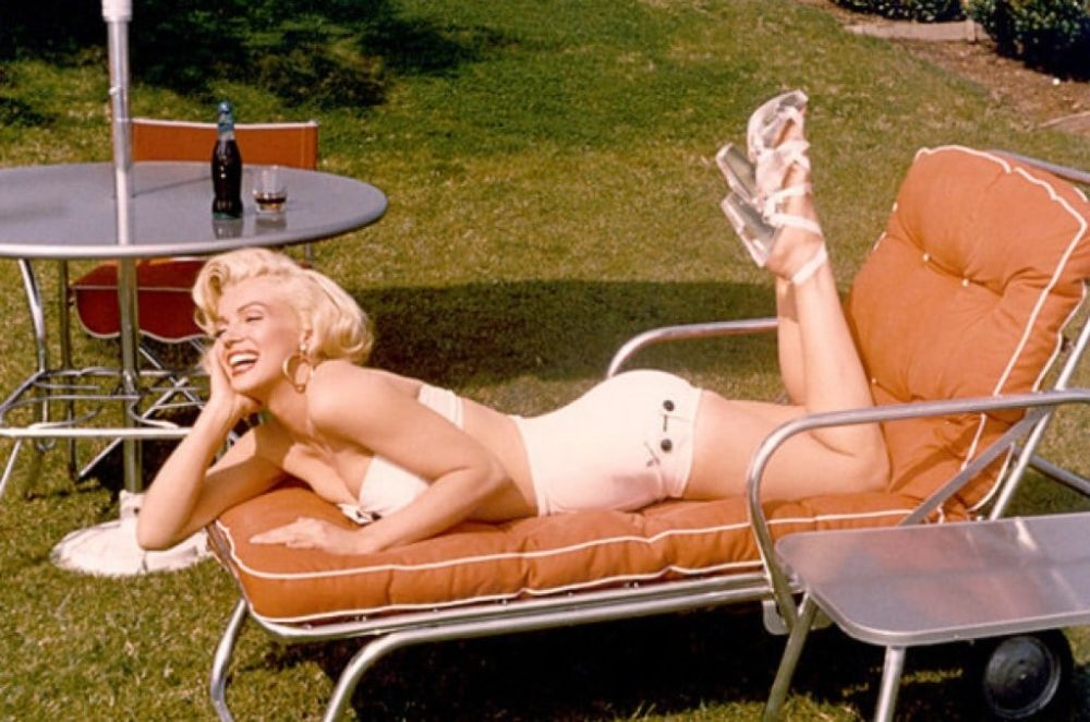 Rare and Candid Photos of Marilyn Monroe Taken by Mischa Pelz During a Photoshoot for Deeco Garden Furniture, 1953