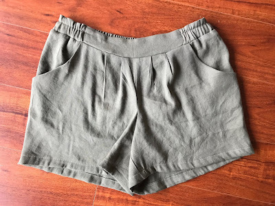 Linen/viscose/lycra shorts in olive green made from the Simplicity 1887 sewing pattern