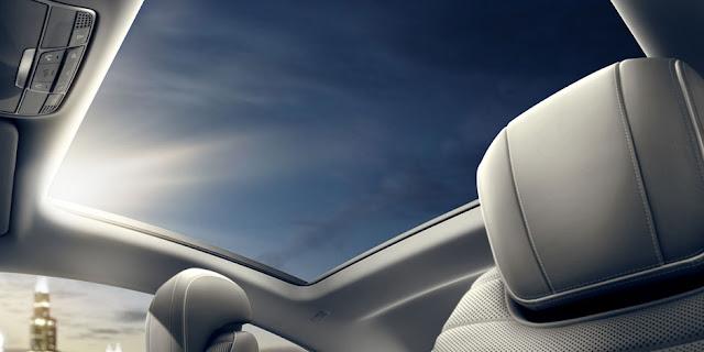 Mercedes S400 4MATIC Coupe 2017 trang bị cửa sổ trời siêu rộng Panoramic