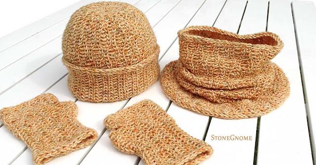 3 pieces. A UNIQUE set. Hat, cowl, fingerless gloves.