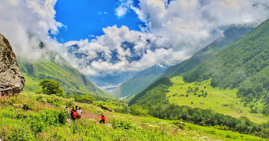 A Trek to Valley of Flowers & Hemkund Sahib - Day 2 & 3