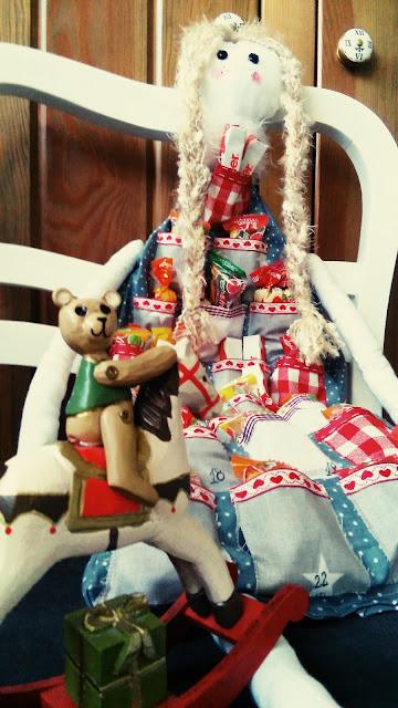 kalendarz adwentowy DIY, lala adewntowa, hand made kalendarz adwentowy