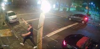 A Polícia de SP identifica motorista de Porsche que atacou bar a tiros