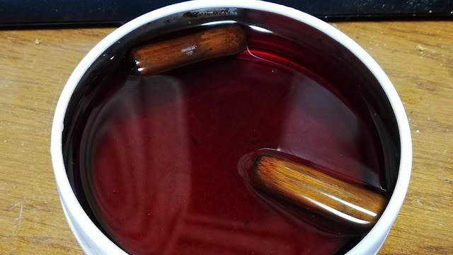 竹製マウスピースをワインで香り付けして見る