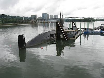 Ternyata Begini Cara Kapal Selam Muncul Ke Permukaan