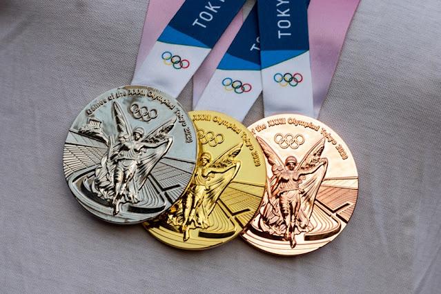 O primeiro dia oficial de competição em 24 de julho e até a manhã de hoje (26) o Brasil ganhou uma medalha de bronze e duas de prata, uma delas no Skate Street, pela Rayssa Leal, de 13 anos.