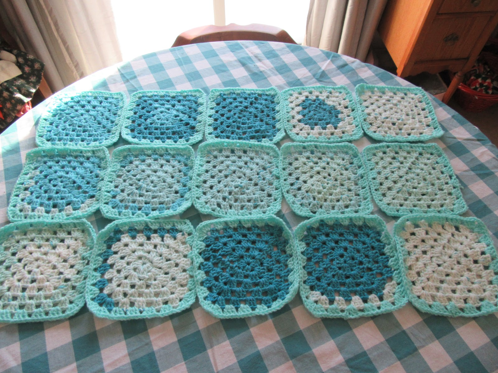 I Made Squares That Were A Bit Large Center And Four Rows Of Faerie Cakes One Row Minty The Color Just Unfolds So Beautifully Frames