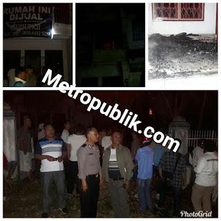 Rumah Kosong 2 Tingkat diduga dibakar oleh Orang Gila