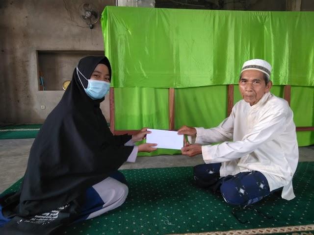 Prodi PAI Salurkan Donasi Untuk Pembangunan Masjid