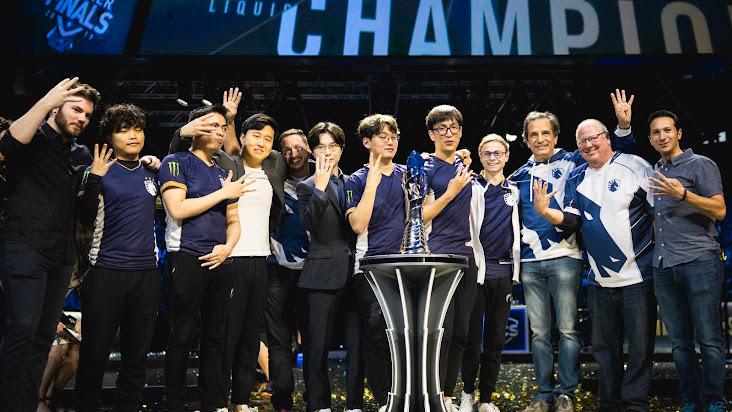 [LMHT - LCS] Nhìn lại chức vô địch LCS của Team Liquid: Con số 4 của sự vinh quang!
