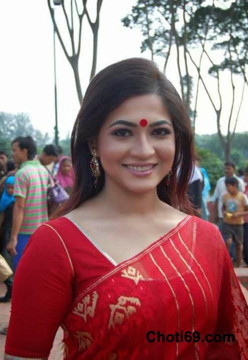 Indian latest bangla beauty aunty captured her bath video for lover slutload trade - 5 9