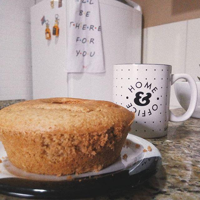 Sirva quentinho: bolo de amendoim com coco (versão saudável)
