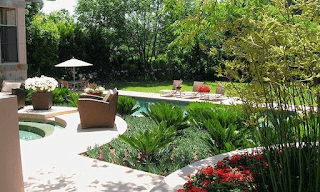Landscaping-ideas-sloped-backyard