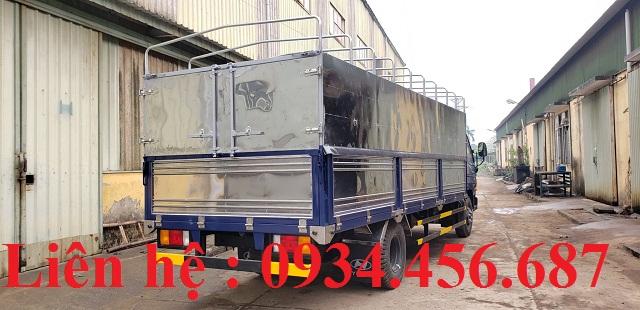 Xe tải Hyundai 110sl thùng bạt dài 5m7