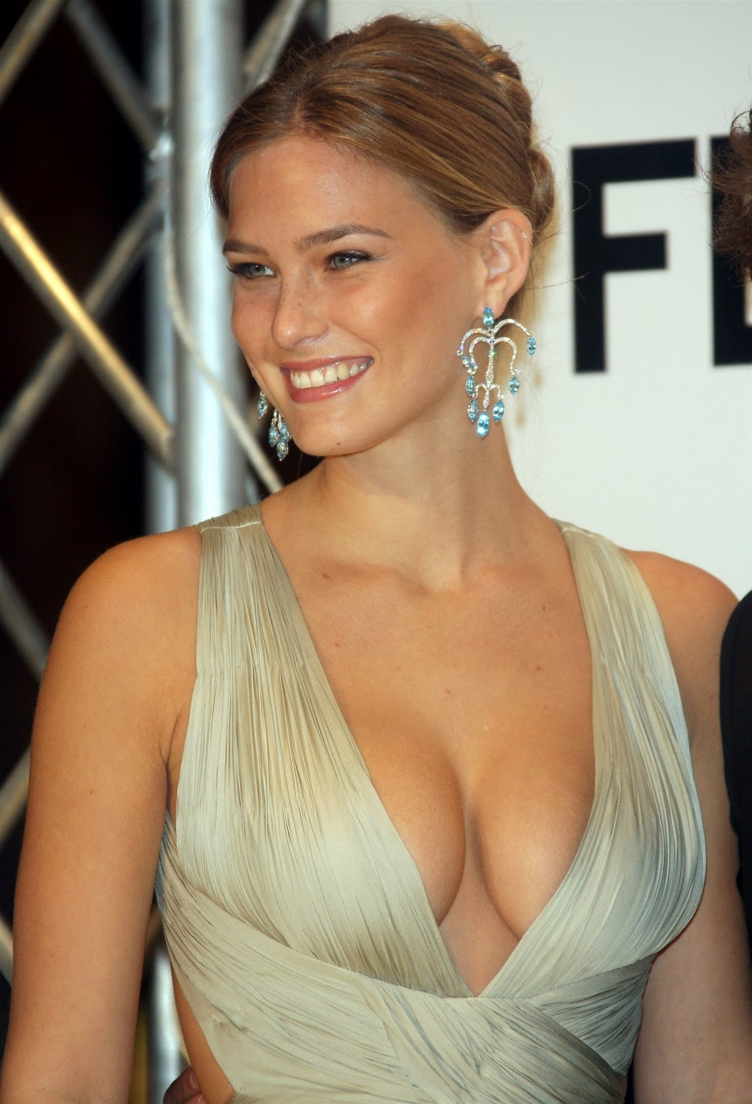 bar refaeli in a - photo #10