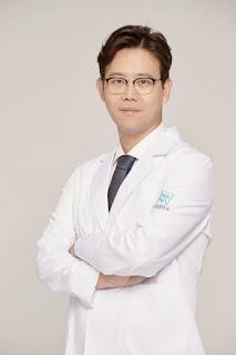 bedah plastik korea, hasil alami, hwang dong yeon, konsultasi, lipatan mata, operasi di korea, operasi korea, operasi mata, operasi payudara, operasi plastik di korea, operasi plastik korea, oplas, oplas korea