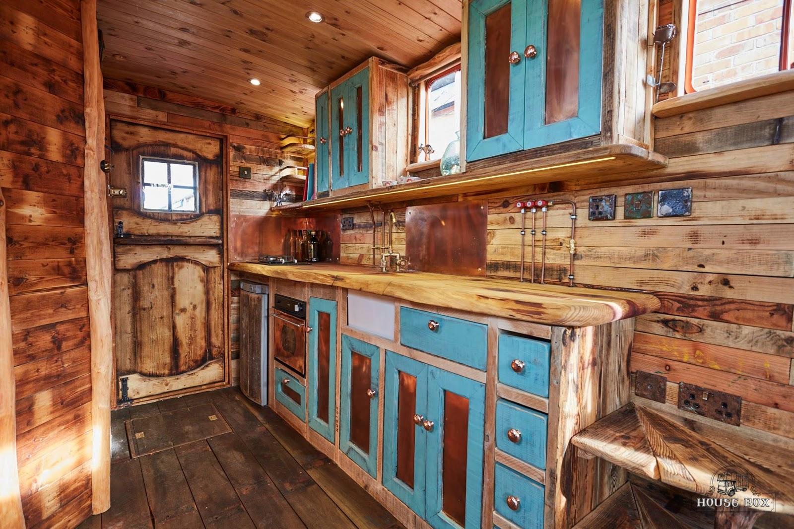 Box Stock Project >> TINY HOUSE TOWN: Helga the Horse Box Tiny House