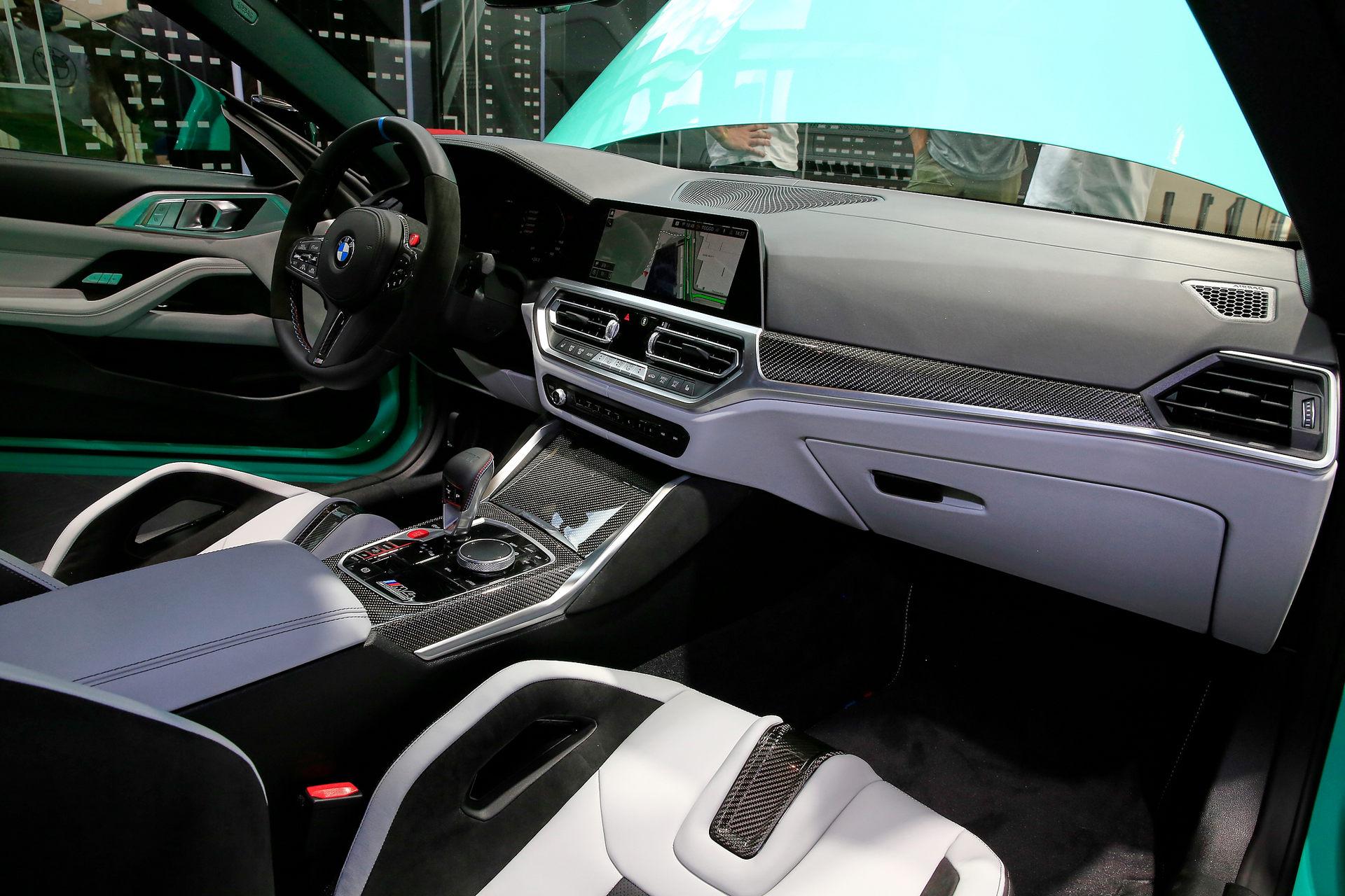 بي إم دبليو BMW M4 Competition مقصورة القيادة