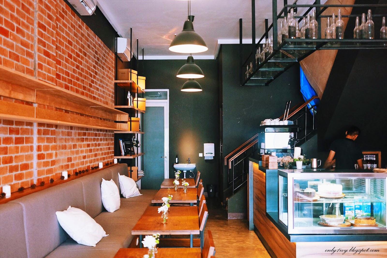 Ivy S Life Scandinavian Coffee Shop Gading Serpong