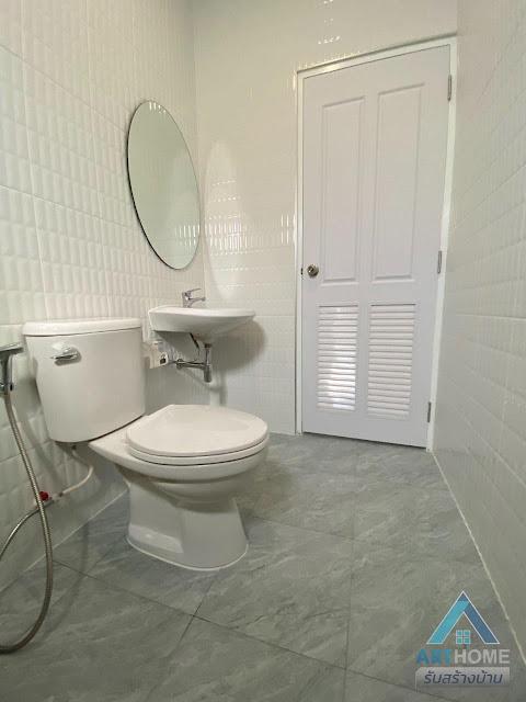 ห้องน้ำในบ้านราคา 1.8 ล้านบาท