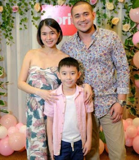 Paulo Avelino with her ex-girlfriend and their son Aki