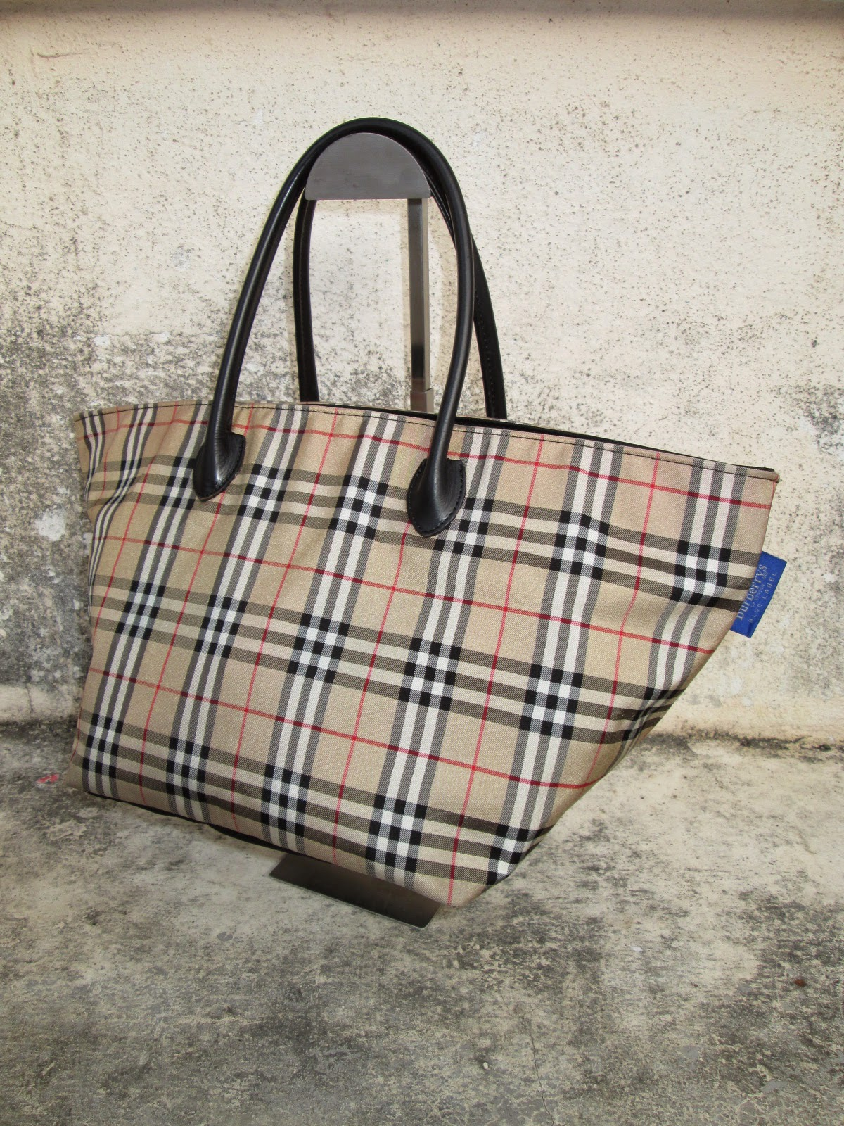 D0rayakeebag Authentic Burberry Blue Label Handbag Sold