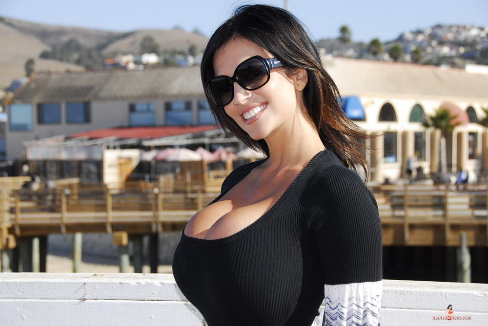 denise milani down by pier in a clingy black dress porn babes ur dream girls. Black Bedroom Furniture Sets. Home Design Ideas