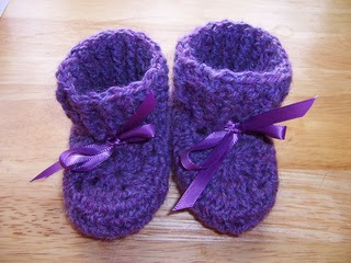 aaac1d2e5a3d Free Pattern  Tiny Tennis Shoes by Janet Tamargo  2 Knit Patterns ...