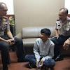 Terpengaruh Lem Aibon, Pemuda Bandung Todong Pisau ke Remaja Masjid