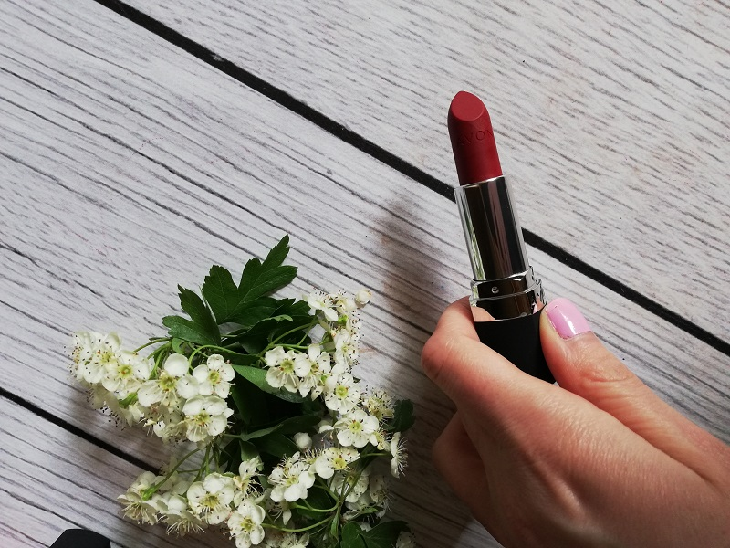 Avon True Color Supreme Red