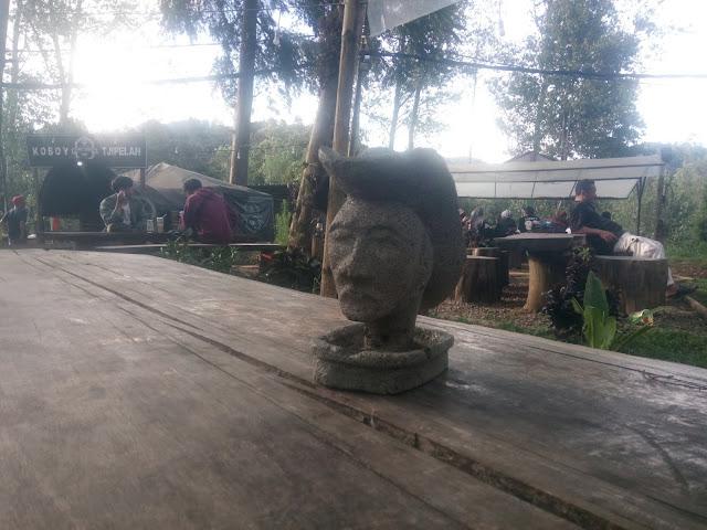 Kopi Koboy Tjipelah, Ngopi Sambil Ngoboy Di Tengah Hutan