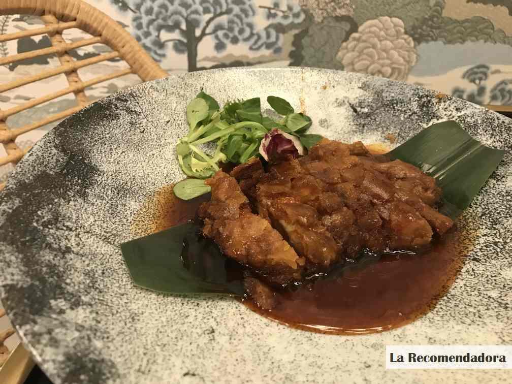 Pato crocante con 5 especias del Restaurante Hutong -> 14,50€