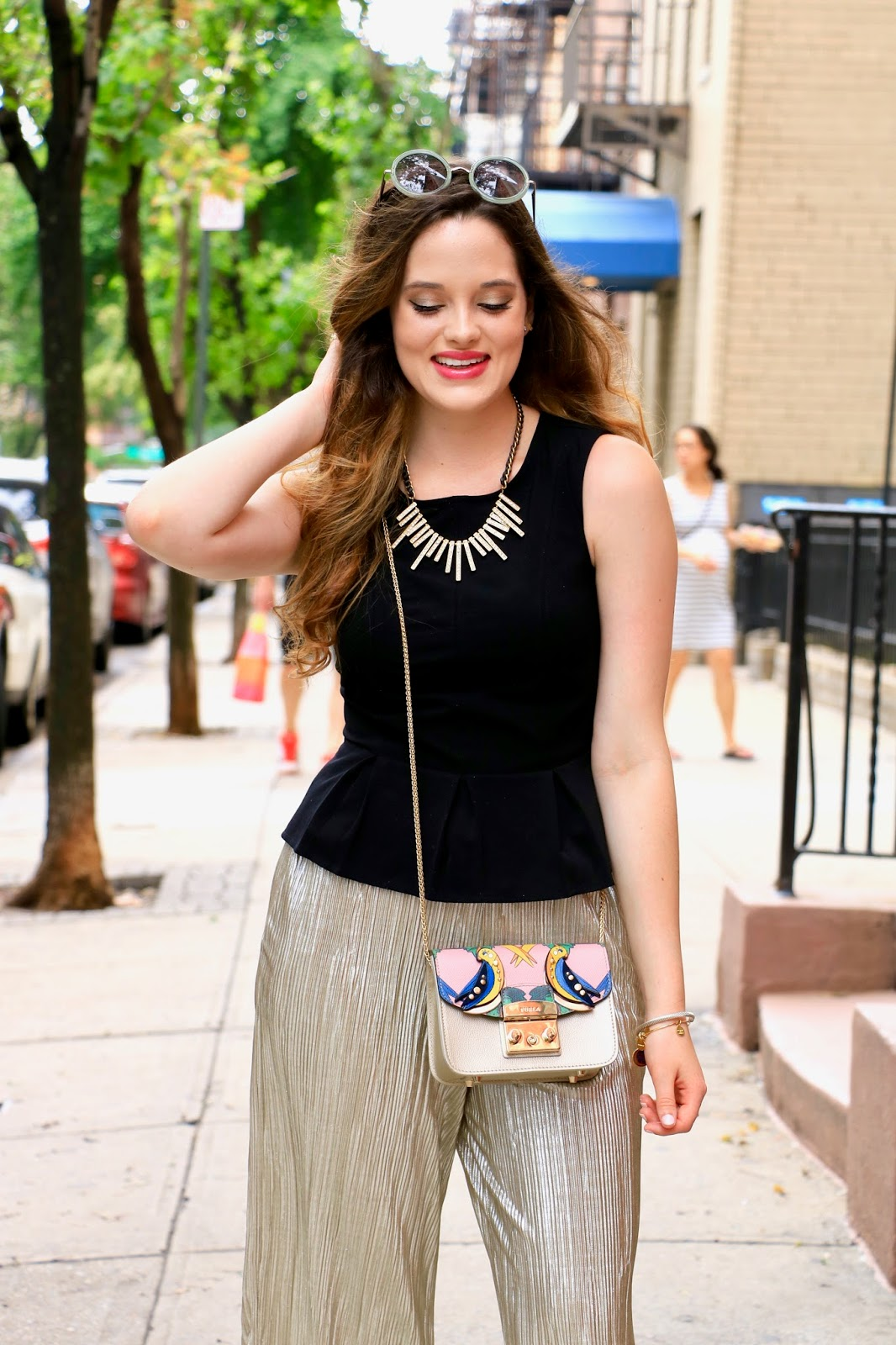 nyc fashion blogger Kathleen Harper showing off her summer street style