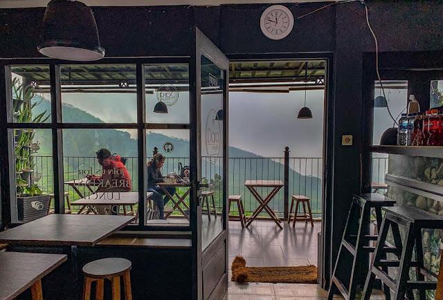 Dara Cafe Puncak Pass Bogor Jawa Barat